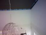 Im hohen Wohnzimmer zeigt sich am Ringbalken ein dunkler Streifen - Fogging