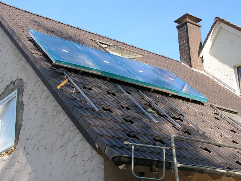 Thermische Solaranlage zur Heizungsunterstützung und Warmwasserbereitung