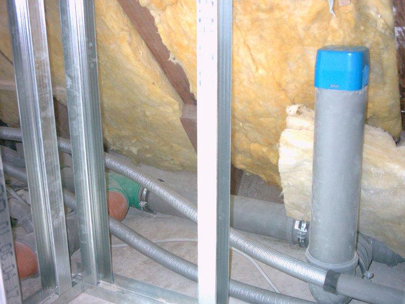 Wenig Durchdringung: Sanitärentlüftung innerhalb des Gebäudes