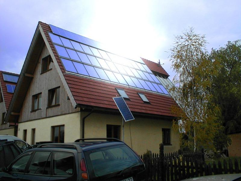 HEUTEC Energie Effizienz Büro in Zülpich- ökologisches Holzhaus mit 40m2 Solarthermie, Bioöl BHKW, Regenwassernutzung