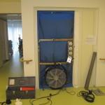 Luftdichtigkeits Messgerät, n50 Wertermittlung im Krankenhausflur Messung DIN EN 13829 (A)