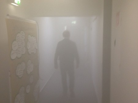 Durch Luftleckage eindringender Rauch kann die Flucht vor dem Feuer verhindern