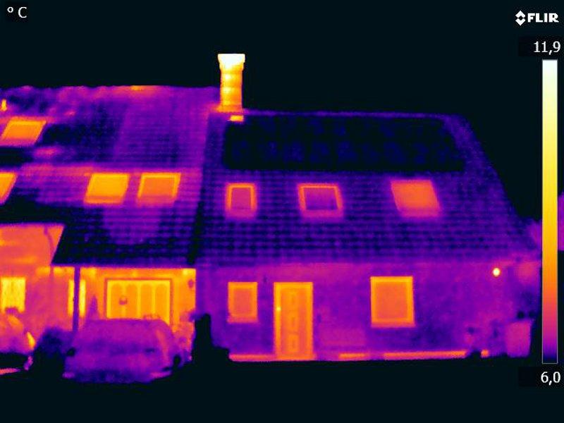 Thermischer Vergleich des HEUTEC - sanierten - Gebäudes mit dem daneben liegendem Altbau