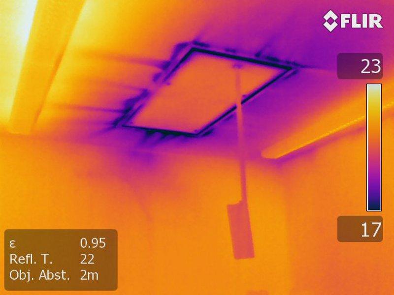 Dachbodentreppen sind häufig aus konstruktiven Gründen undicht