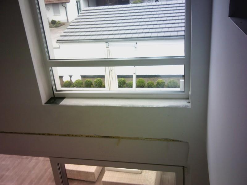 Luftleckage an Fensteranschluss
