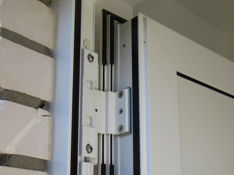 test der luftdichtheit f r bauteile wie dach t r fensterheutec luftdichtigkeit thermografie. Black Bedroom Furniture Sets. Home Design Ideas