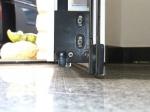 Detail der Tür unten: absenkbarer Bodendichtung