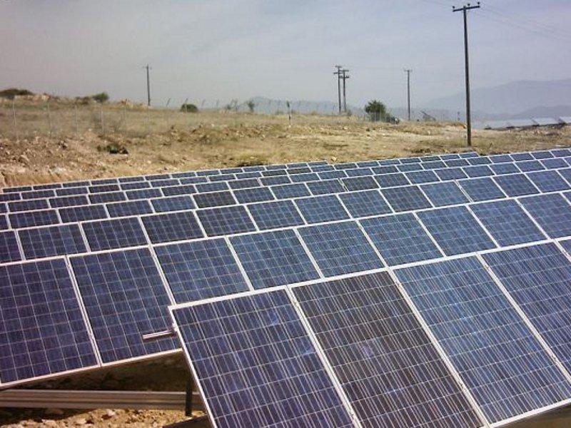 PV Freiflächenanlage mit solar nachgeführten Trackern in Griechenland