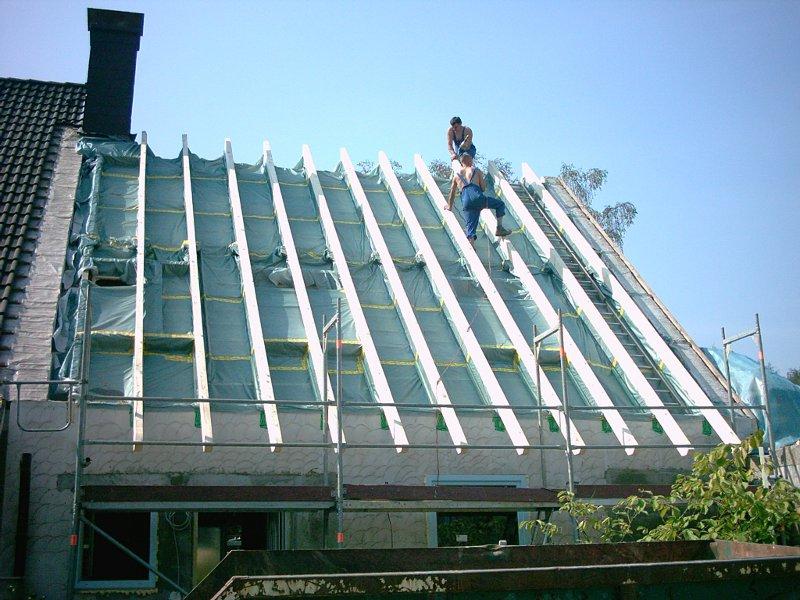 HEUTEC betreut Dachsanierung, denn es gibt viele Problempunkte