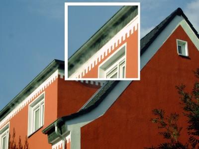 Saniertes Einfamilienhaus, Nebelaustritt bei Überdrucktest aus den Dachgaubenanschlüssen